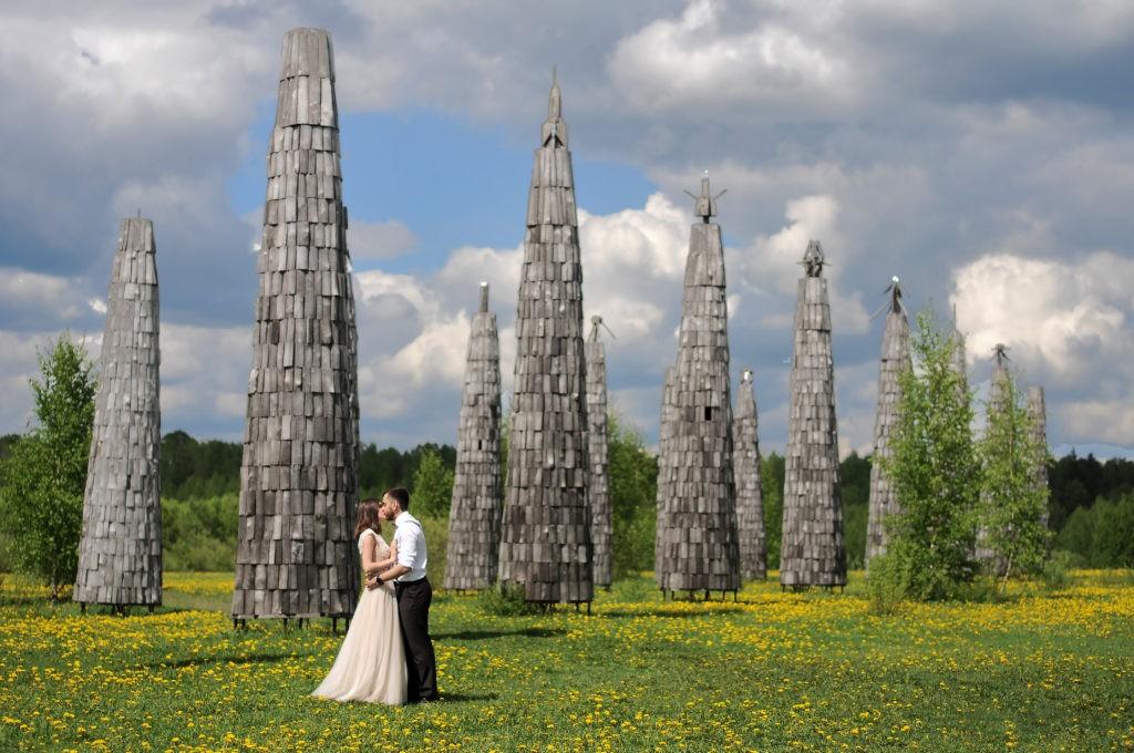 Свадебная фотосессия в арт-парке Никола-Ленивец